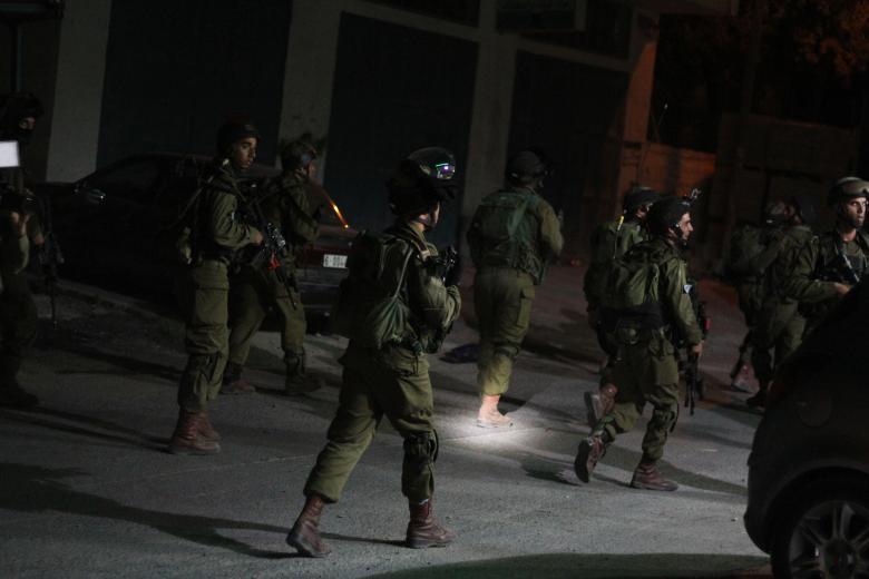 اعتقال 5 مواطنين من الضفة المحتلة