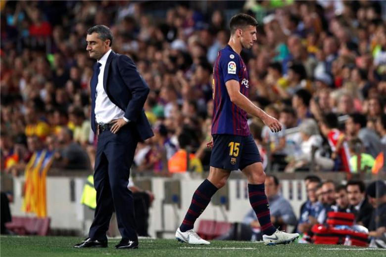 ثلاثة لاعبين مهددين بالإيقاف في برشلونة