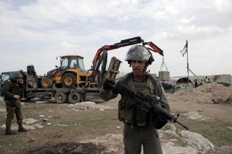 الاحتلال يخطر بوقف بناء منزلين قيد الإنشاء جنوب بيت لحم