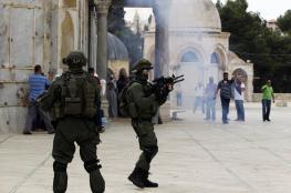 الاحتلال يخلي الأقصى من المصلين عقب اقتحامه