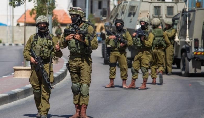 الاحتلال يعتقل 10 مواطنين بالضفة