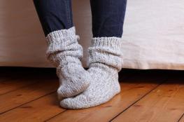 برودة القدمين مؤشر على مرض خطير!
