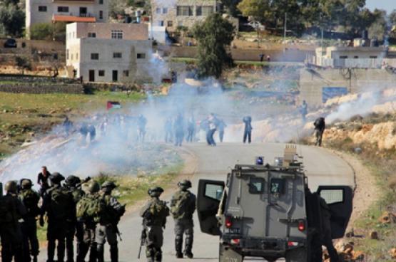 3 إصابات جراء قمع الاحتلال لمسيرة تضامنية مع الأسرى