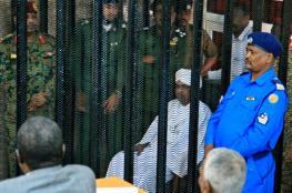 القضاء يرفض إعادة استجواب البشير بخامس جلسات محاكمته