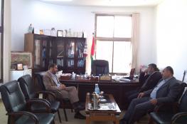نواب غزة والوسطى يتفقدون بلدية المغراقة