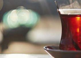 هذا ما سيحدث لك إذا تناولت الشاي بعد الأكل