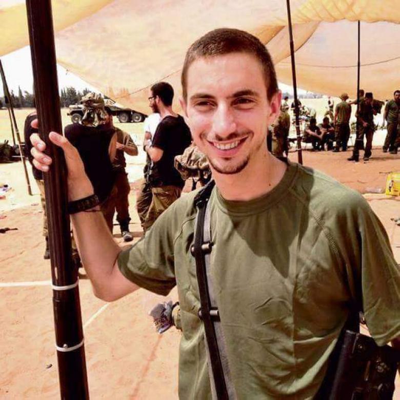 صور جديدة للضابط الأسير لدى القسام هدار غولدين