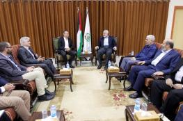 ملادينوف والوفد الأمني المصري يجتمعان مع هنية بغزة