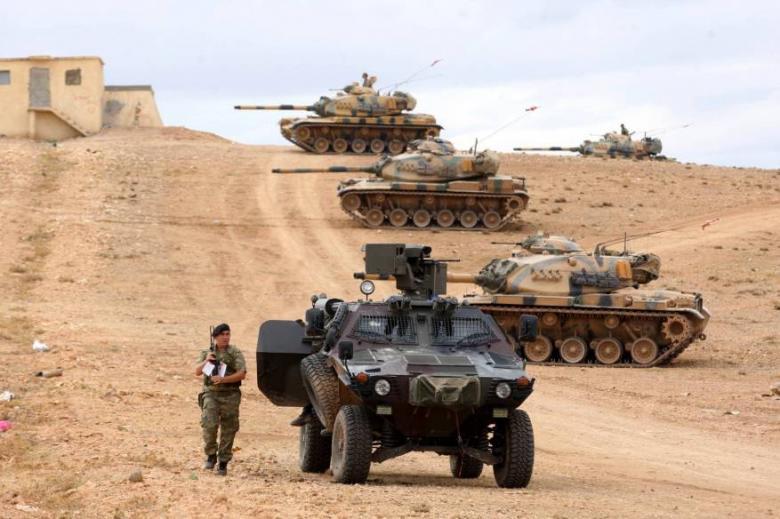 الجيش التركي يرسل تعزيزات على الحدود مع سوريا