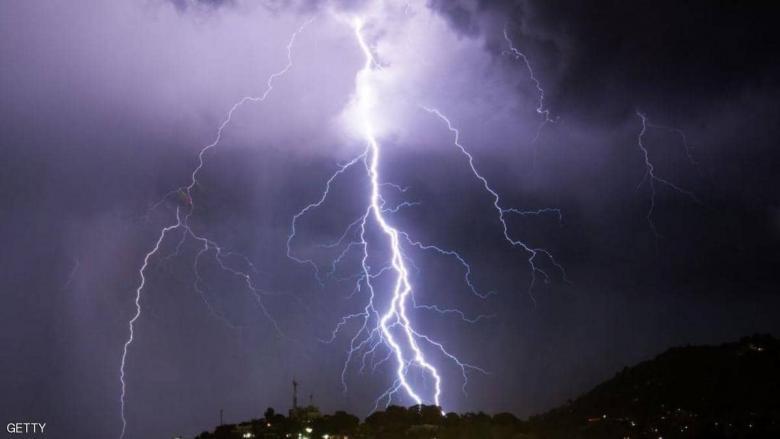مصرع 6 سياح أجانب باليونان في عواصف برد عنيفة