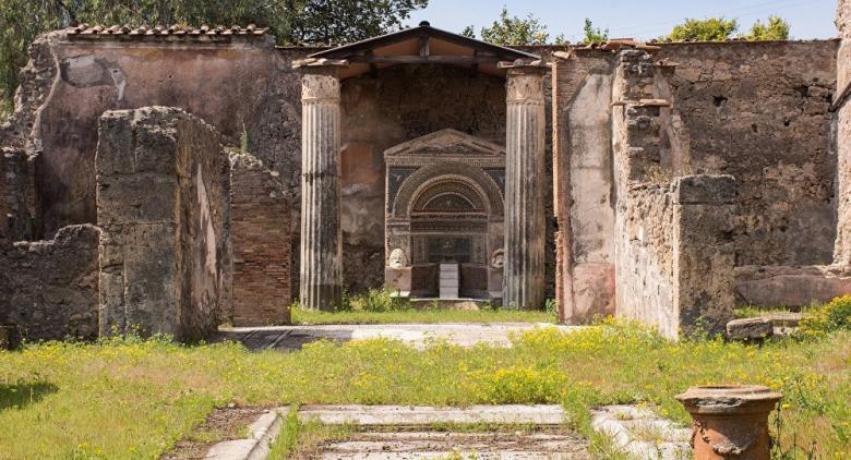 اكتشاف لوحة في أنقاض مدينة دمرت عام 79 ميلادية