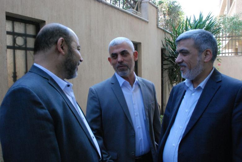 أبو مرزوق والرشق يلتحقان بوفد حماس في القاهرة