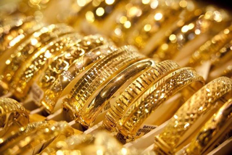 الذهب يتراجع مع صعود الدولار