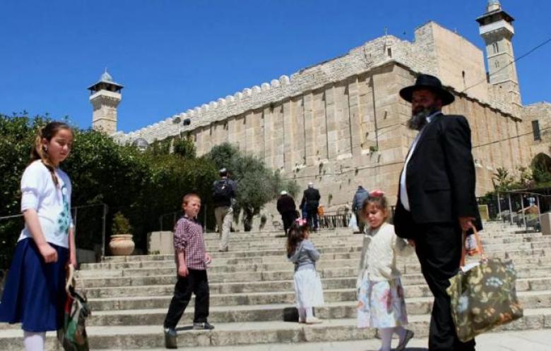 الاحتلال يستعد لتأمين اقتحام 25 ألف مستوطن لمدينة الخليل