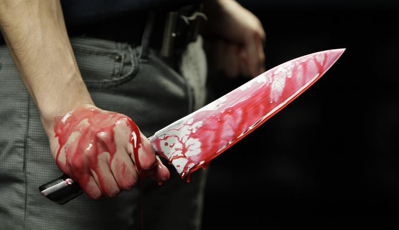 زوج يذبح زوجته بموقف سيارات بدبي.. والكشف عن السبب