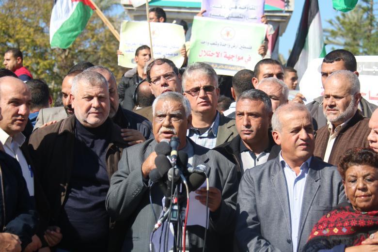 """الفصائل تطالب بـ """"رفع العقوبات"""" وإتمام ملفات المصالحة"""