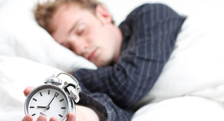 عندما تنام أقل من 7 ساعات ماذا يحدث لجسمك؟