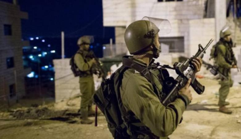 الاحتلال يعتقل 4 مواطنين من مدن الضفة