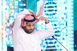 تركي آل الشيخ يتغزل بملكة جمال لبنان وسط جدل واسع