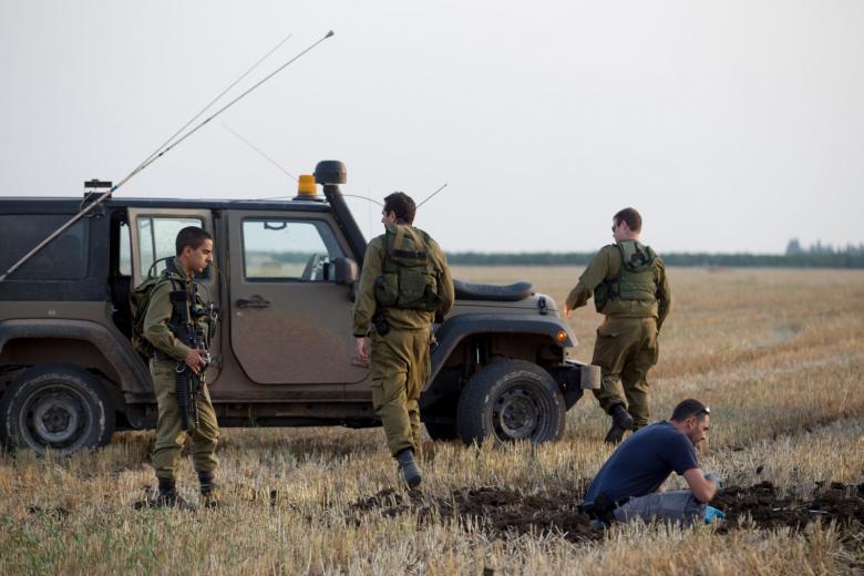 """الاحتلال يغلق طرقًا رئيسية في """"غلاف غزة"""""""