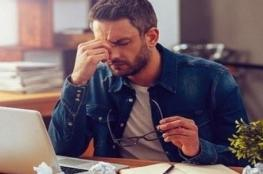 التوتر وضغوط العمل يصيبان بالعمى