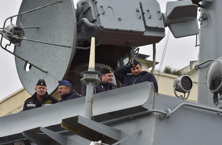 سفن حربية روسية تغادر قاعدة طرطوس قبل ضربة أمريكا