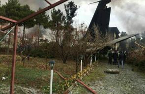 مقتل 15 شخصا بتحطم طائرة تابعة للجيش الإيراني