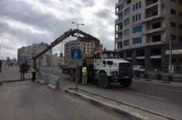 ضمن الاجراءات الوقائية .. بلدية غزة تُغلق أرصفة كورنيش بحر غزة