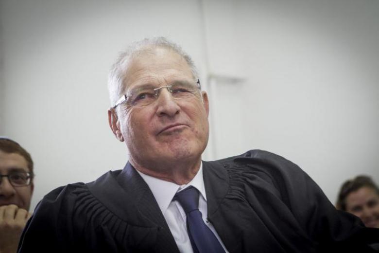 الشرطة الإسرائيلية تطلب التحقيق مع محامي نتنياهو