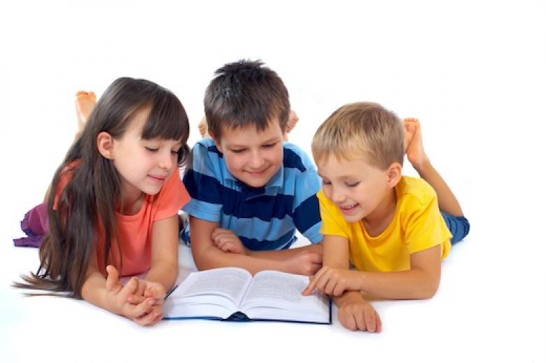 كيف تحفز طفلك على المطالعة؟