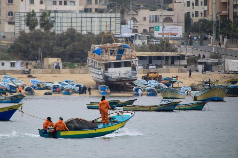 الاحتلال يقرر توسيع مساحة الصيد لـ15 ميلا في بحر غزة