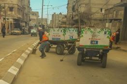 بلدية خان يونس تجمع وتُرحل 955 طن نفايات خلال إجازة العيد