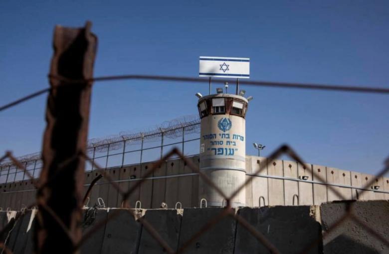 """لهذا نقل نتنياهو إدارة المفاوضات مع أسرى حماس لـ""""الشاباك"""""""