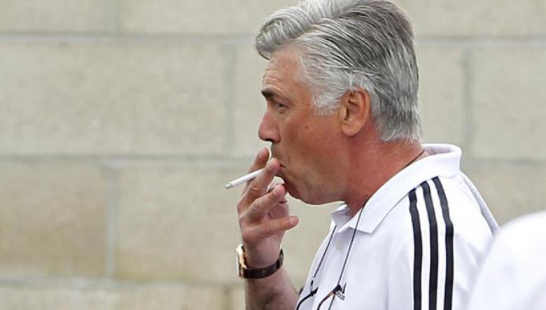 بايرن ميونخ يمنع أنشيلوتي من التدخين داخل النادي