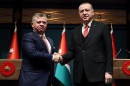 وفد تركي رفيع المستوى يزور الأردن في مسعى لتوطيد العلاقات