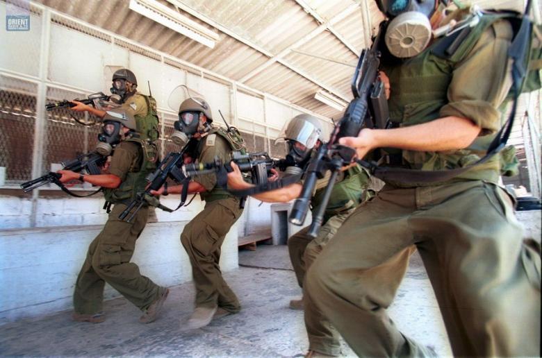 وحدات القمع تعتدي على أسرى قسم 6 بريمون وتنقلهم للنقب