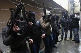 مسلّحون يطلقون الرّصاص ويغلقون شارعًا بنابلس