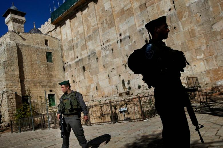 اعتقال فتاة قرب الحرم الإبراهيمي في الخليل