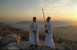 الفلسطينيون اليهود يحجون الى قمة جبل جرزيم بنابلس