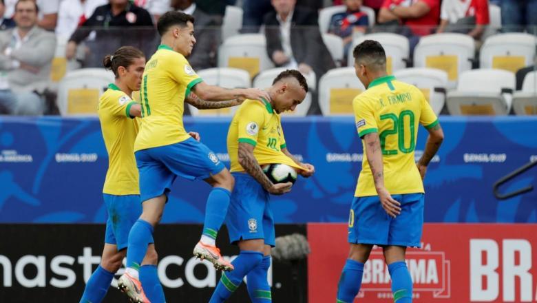 البرازيل تسحق بيرو بخماسية مع الرأفة
