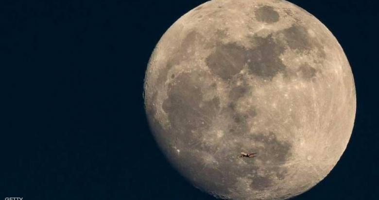 أول هبوط في التاريخ على الجانب المعتم للقمر.. فمن فعلها؟