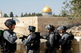 الاحتلال يعتقل حارسا بالمسجد الأقصى بعد الاعتداء عليه بوحشية