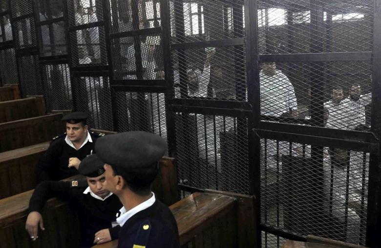 """مصر تطلق """"أضخم حملة مسح طبي بالعالم"""".. ماذا عن السجون؟"""