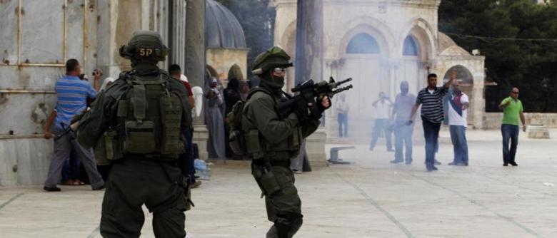 """إصابات واعتقالات إثر قمع الاحتلال وقفة احتجاجية بـ""""الأقصى"""""""