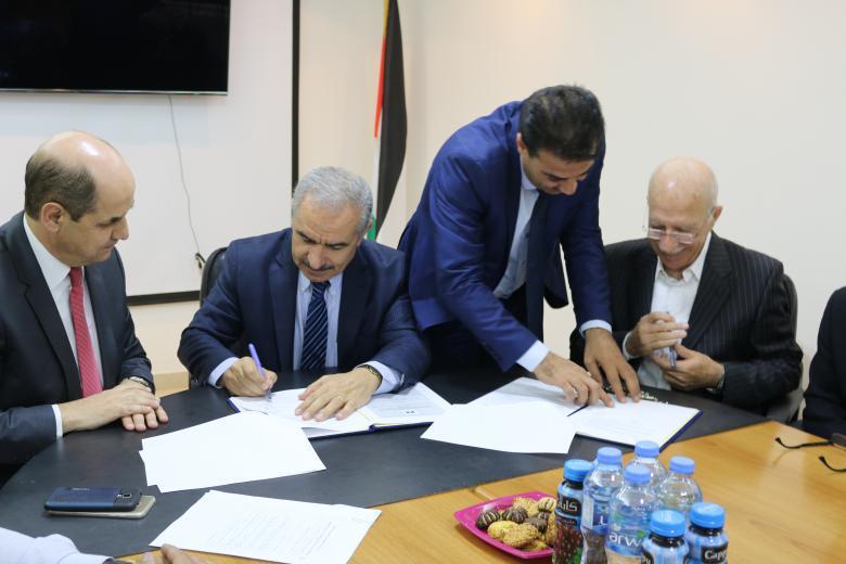 بكدار وجامعة الخليل يوقعان اتفاقية لإقامة مبنى التكنولوجيا المتقدمة