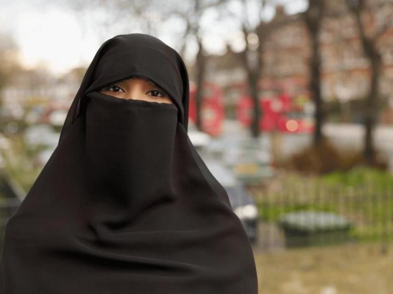 مواطنة تلقي بنفسها من الدور الثالث هرباً من تعنيف زوجها
