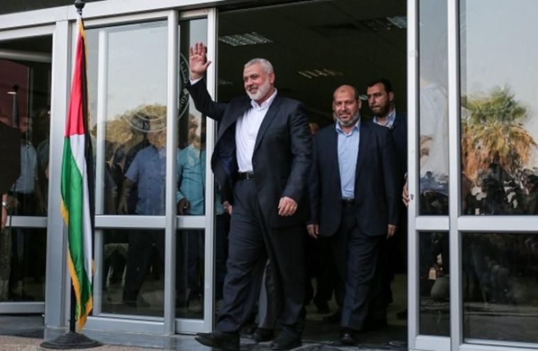 صحيفة: هنية يسعى لإعادة أموال حماس المحتجزة بمصر
