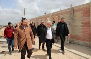 جولة قيادة حماس لتفقد سير العمل في تجهيز مراكز الحجر الصحي شمال وجنوب القطاع