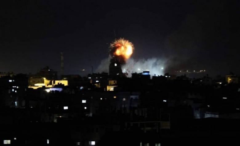 8 إصابات إثر وغارات عنيفة شنها الاحتلال بالطيران الحربي
