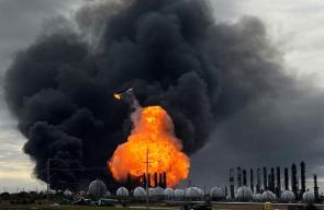 السلطات الأمريكية تأمر بإجلاء 60 ألف شخص بعد انفجار هائل في تكساس